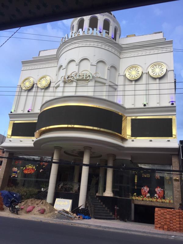 cho Karaoke Luxury TP.Nha Trang-2